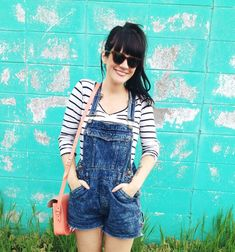 let's all just join together and wear overalls, ok?  These are too cute!
