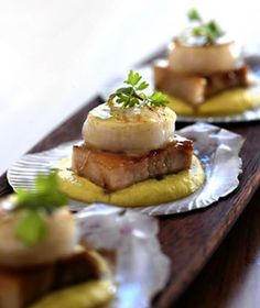 Recipe: Scallops and Pork Belly with Sweet Corn Puree Seafood Recipes, Appetizer Recipes, Appetizers, Recipes Dinner, Holiday Recipes, Dinner Ideas, Pureed Food Recipes, Cooking Recipes, Diet Recipes