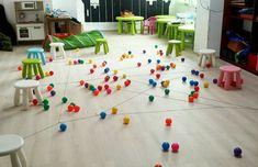 Pajęczy tor przeszkód - Moje Dzieci Kreatywnie Sensory Play, Cool Kids, Activities For Kids, Diy And Crafts, Kindergarten, Photo Wall, Kids Rugs, Games, Fun