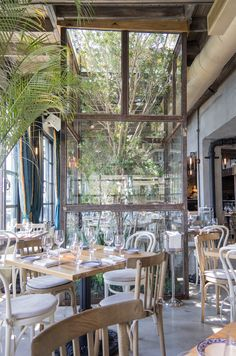 Kiki on the River :: Miami Restaurant Modern Greek Cuisine River Restaurant, Glass Restaurant, Restaurant Concept, Restaurant Ideas, Miami Restaurants, Greek Restaurants, Modern Restaurant Design, Modern Interior Design, Commercial Design
