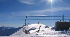 La piccola stazione di Febbio sul Monte Cusna, nel Parco nazionale dell'Appennino Tosco Emiliano, offre agli sciatori 12chilometri di piste da discesa, costantemente battute e innevate artificialmente alle basse quote. E' fornita di moderni impianti di risalità - tre sciovie e tre seggiovie.    La disciplina dello snow board trova spazi a Febbio 2000, così come nella parte alta della stazione,dove èpossibile fare favolosi fuori pistafra calanchi naturali. Per i buoni sciatori e per gli…