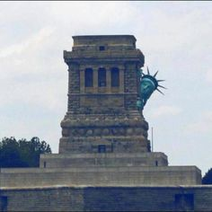 Don't worry, everything will be fine! Everyone, including the Statue of Liberty, has already been evacuated! We are with you, New Yorkers! Keeping our fingers crossed for you and hoping to bring at least a little smile on your faces!!