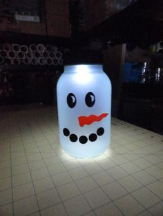 Frosted Mason Jar Luminary - SNOWMAN with Solar Lid