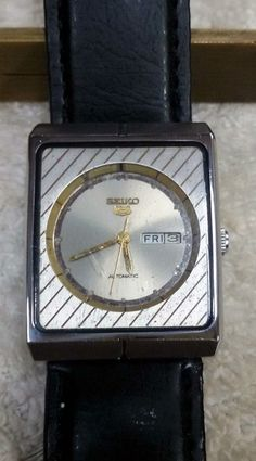 Vintage Seiko 5 Automatic Day-Date 17-Jewels Men's Wrist Watch AS-10