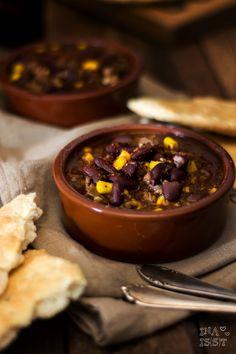Ina Is(s)t: Mein liebstes Chili con Carne mit Kaffee, dunklem Bier und einem schnellen Fladenbrot