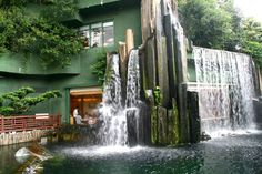 Chi Lin Nunnery Vegetarian Restaurant, Hong Kong for dim sum Bar Restaurant, Restaurant Design, Exterior Paint, Exterior Design, Hong Kong Architecture, Landscape Architecture, Restaurants, Unique Buildings, Garden Pool