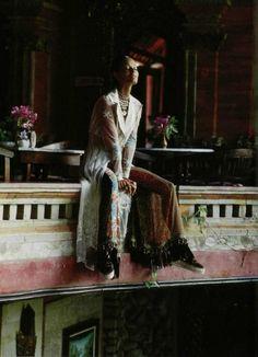 """L'Orient A L'Extreme"", L'Officiel France, 1993 Photographer: Bruno Bisang Model: Leticia Herrera"