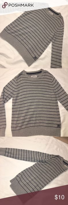 Aeropostale Striped Men's Gray Sweater Comfortable sweater, great condition shape retain, no stains. Aeropostale Sweaters