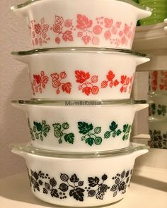 Vintage Kitchen, Vintage Pyrex, Kitchenware, Tableware, Good Enough To Eat, Retro Home, Displaying Collections, Milk Glass, Happy Friday
