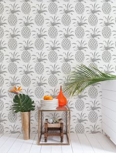 Pina Sola Wallpaper in Glimmer design by Aimee Wilder