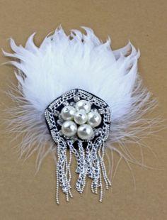 Broche perlas borlas con plumas €5.39