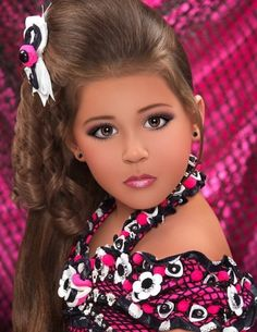 Beauty Pageants Draw Children and Criticism