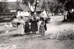 Liptovské Sliače (Liptov) Slovakia around Pic of my grandma as a little barefoot girl with her siblings and friends. The baskets on girls' backs are for baby-siblings that they were supposed to look after(! Barefoot Girls, Old Photography, Eastern Europe, Old World, Folk Art, Past, Black And White, Czech Republic, Hungary