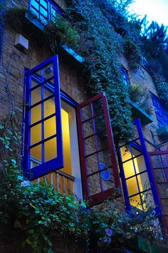 Neal's Yard, Convent Garden, London. }} No other place can capture the vibrancy of the district so perfectly.