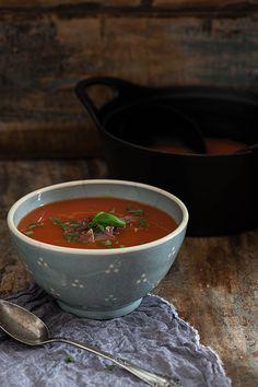 Sopa de tomate con pimentón de la Vera y jamón Serrano (tomatensoep met gerookte paprikapoeder en Serrano ham) | Bijzonder Spaans | Bloglovin'