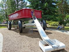 Biggest Radio Flyer AND IT'S IN SPOKANE...THE HANDLE IS A SLIDE...