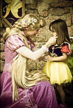 Disney Frozen Elsa, Disney Tangled, Disney Magic, Disneyland Face Characters, Disney Movies, Disney Characters, Book Character Costumes, Book Characters, Disney World Pictures