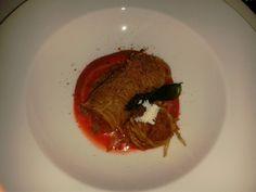 Cannolo di russello alla Norma con ripieno di melanzane, basilico, mozzarella, pomodoro e ricotta salata di Tony Lo Coco