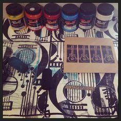 Lots of printing planned for today  #myart #permaset_aqua #ecofriendlyink #studio #artstudio #printmaking #guitarart #musicart #blockprinting #ink #inkonpaper #artwork #originalart #design #guitars #guitar