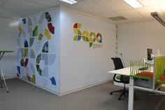 Het totaal concept is erg gelinkt aan de uitstraling van Sepa Green, de kleuren komen zelfs terug in de inrichting. De ruimte is niet alleen ingericht met werkplekken, ook zijn er keuzes gemaakt die meer gericht zijn op het soort activiteit. Sepa Green heeft een prachtige werkplek gekregen, waar groei mogelijk is en het karakter reeds is bepaald. #wall #visual