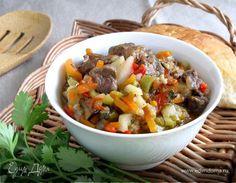 Это блюдо узбекской кухни не столь известно, как его знаменитые собратья по технологии, такие как димлама и басма. Но оно опрделенно заслуживает особого внимания, потому что объединяет в себе множ...