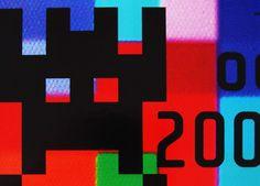 START EXPO . NAMING / BRANDING . FOTOGRAFÍA / PHOTOGRAPHY .   Sistema de identidad para exposición de video juegos de los ochentas, en el Centro Cultural San Martin. Relevamiento, fotografías a pantallas, búsqueda de texturas y paletas. Diseño de logo y manual de marca, asi como aplicaciones, señalética, hito, invitaciones e intervenciones sonoras y lumínicas en el espacio.  Diseño II. Fadu, Uba / Agosto 2005