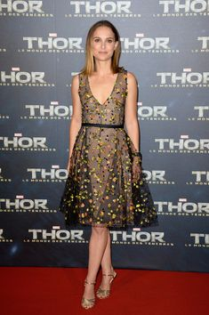 Natalie Portman iIn Christian Dior Couture @ 'Thor: The Dark World' Paris premiere
