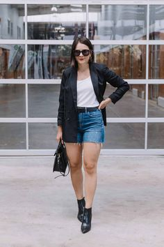 The Perfect Black Booties Styled For Now And For Fall Date Outfit Casual, Business Casual Outfits, Edgy Outfits, Short Outfits, Simple Outfits, Fall Winter Outfits, Summer Outfits, Booties Outfit, Cool Sweaters