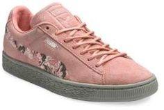 bcf4569b4472 PUMA Suede Sunfade Sneakers  fashion  trend  2018  pink  puma  shoes