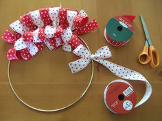Easy To Make Christmas Ribbon Wreath -DIY Christmas Decorations Craft Diy Christmas Ribbon Wreath, Diy Ribbon, Wreath Crafts, Ribbon Crafts, Diy Wreath, Holiday Wreaths, Holiday Crafts, Christmas Decorations, Wired Ribbon