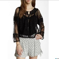 Free People Counting the Days Blouse FINAL DROP ⏰ new. Never worn. Perfect condition. This blouse is so stunning you can't pass it up. A great deal on an amazing item. You can dress this up or down and it is so versatile! Black goes with anything ❤️ Free People Tops