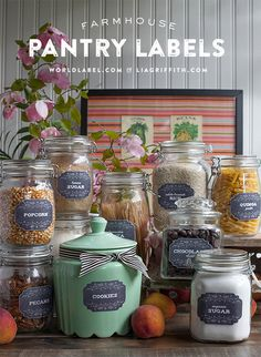 Printable Farmhouse Pantry Labels in Two Styles: Style your pantry with these pretty printable labels ready for you to add your own text and print onto label paper. Kitchen Labels, Pantry Labels, Kitchen Pantry, Wren Kitchen, Jar Labels, Kitchen Stuff, Printable Labels, Free Printables, Labels Free