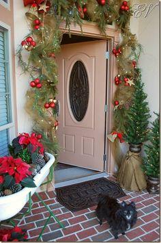 Garland Christmas Front Doors, Christmas Door, Christmas Goodies, Christmas Baking, Christmas Time, Christmas Ideas, Christmas Crafts, Christmas Decorations, Crochet Garland