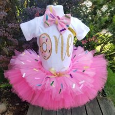 Donut birthday tutu set, donut birthday tutu set, sprinkles birthday tutu set, sweet one donut tutu set, donut birthday outfit - Fiesta casera Donut Birthday Parties, First Birthday Themes, Baby Girl 1st Birthday, Birthday Party Outfits, Donut Party, Birthday Ideas, Queen Birthday, Dude Perfect, 1st Birthdays