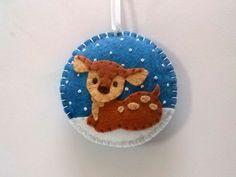 Baumschmuck: Sonstige - Filz Weihnachts Baby-Ren, Reindeer Ornament - ein Designerstück von dusi-ustvarja bei DaWanda