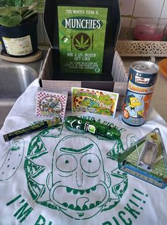 """The January 2018 Cannabox is """"Munchies"""" themed! Creative Gifts For Boyfriend, Boyfriend Gifts, Weed Box, Ricky Y Morty, Wubba Lubba, Happy 420, Cannabis, Stoner Gifts, Pipes And Bongs"""