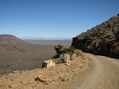 Tankwa Karoo National Park Photo: Plant along Gannaga pass African States, Mountain Pass, Beautiful Roads, Big Sky Country, African Beauty, Homeland, Monument Valley, Countryside, South Africa