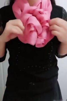 DIY Tie a Beautiful & Creative Scarf! DIY Tie a Beautiful & Creative Scarf! Ways To Tie Scarves, Ways To Wear A Scarf, How To Wear Scarves, Scarf Knots, Tie A Scarf, Scarf Dress, Knot Dress, Scarf Tutorial, Scarf Hairstyles