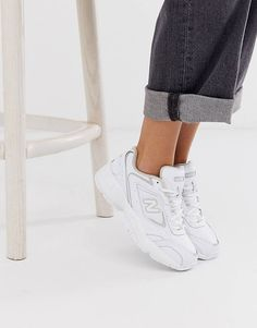 Buy New Balance 452 trainers in white at ASOS. With free delivery and return options (Ts&Cs apply), online shopping has never been so easy. Get the latest trends with ASOS now. All White New Balance, New Balance Blanche, New Balance Women, New Balance Outfit, New Balance Shoes, New Balance Style, Logo New, Zapatillas New Balance, New Balance Trainers