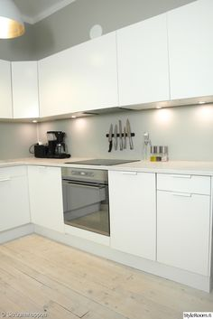 keittiönkaapit,välitila Kitchen Dining, Kitchen Cabinets, Ikea, Interior, Gallery, Home Decor, Blue Prints, Home, Kitchen Dining Living