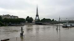 Deux départements français, le Loiret et la Seine-et-Marne, sont, mercredi, en alerte rouge inondations en raison d'une crue exceptionnelle due aux fortes pluies qui se sont abattues sur un grand quart nord-est du pays ces trois derniers jours.