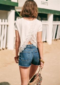 Summer Collection Tops Fashion Mode, Fashion Outfits, Fashion Trends, Eleonore Toulin, Look Con Short, White T, Casual Tops, What I Wore, Summer Collection