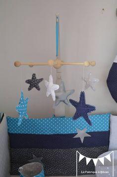 Sur commande - Mobile suspension étoiles bleu turquoise gris blanc argent bleu marine : Jeux, peluches, doudous par la-fabrique-a-reves