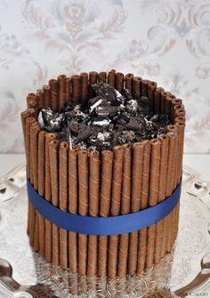 Chocolate Cookies and Cream Cake