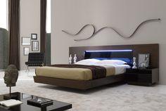 Modern Queen Size Platform #Bed in Tobacco Brown