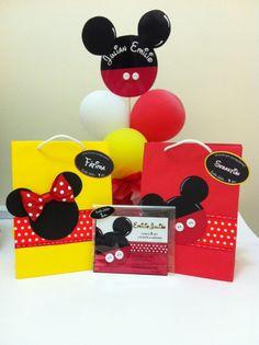 Fiesta temática de Mickey Mouse y Minie Mouse...invitación , bolsa para sorpresa de niño y niña !! :)