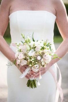 Elegante Hochzeitsinspiration im Shabby-Chic-Stil Moniek van Gils Fotografie http://www.hochzeitswahn.de/hochzeitstrends/elegante-hochzeitsinspiration-im-shabby-chic-stil/ #wedding #shabbychic #flowers