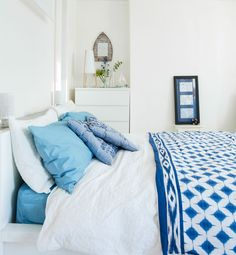 HOME TOUR: HESTER AND IAN'S BLUE & WHITE COASTAL STYLE  Getting the home of their dreams, one DIY at at time   When Hester moved to a house by the English seaside, the surrounding colours and feel of the beach invited themselves inside too. 'Sometimes your home picks a style for you!'  Click to find out more about their  home