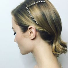 Vee Tapered Crystal Barrette by @leletny on @skylersamuels for the @marieclairemag Image Makers 2017 event!  #hair @ryanrichman #leletny #makeup @paulyblanch #stylist @mrmontyjackson  #skylersamuels #marieclaire #hairaccessory #hairstyle #hairaccessories #imagemakers #armani #ryanrichmanhair