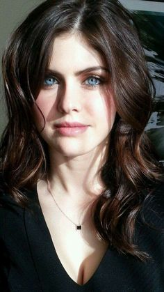 alexandra daddario pics and gifs - Hot Celebrities Beautiful Celebrities, Beautiful Actresses, Alexandra Anna Daddario, Beautiful Eyes, Beautiful Women, Actrices Sexy, Pretty Face, Portraits, Celebs
